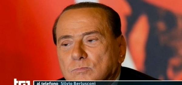 Silvio Berlusconi rugoso e stanco